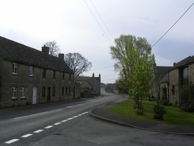 Main Road Curbridge looking West